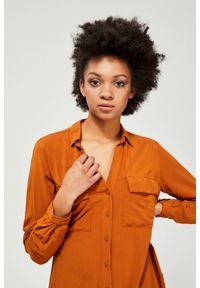 MOODO - Koszula z kieszeniami. Materiał: wiskoza. Długość rękawa: długi rękaw. Długość: długie. Wzór: gładki