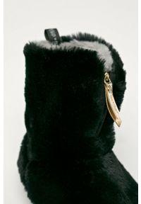 Flip*Flop - Kapcie Yeti. Nosek buta: okrągły. Kolor: czarny. Materiał: guma