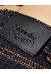 Alexander McQueen - ALEXANDER MCQUEEN - Szare jeansy z wysokim stanem. Stan: podwyższony. Kolor: szary
