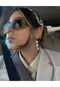 SELFIE JEWELLERY - Asymetryczne kolczyki z perłami Positano. Materiał: złote. Kolor: biały. Wzór: aplikacja. Kamień szlachetny: perła