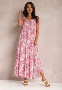 Renee - Różowa Sukienka Fumezi. Kolor: różowy. Materiał: tkanina. Długość rękawa: na ramiączkach. Wzór: aplikacja. Styl: klasyczny. Długość: maxi