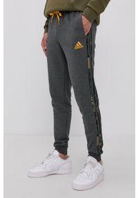 Adidas - adidas - Spodnie. Okazja: na co dzień. Kolor: szary. Styl: casual
