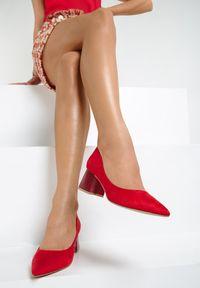 Czerwone czółenka Renee