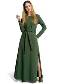 MOE - Zielona Sukienka Dresowa Maxi z Dekoltem Caro z Rozcięciem. Kolor: zielony. Materiał: dresówka. Długość: maxi