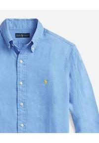 Ralph Lauren - RALPH LAUREN - Niebieska koszula Custom Fit. Okazja: do pracy. Typ kołnierza: polo. Kolor: niebieski. Materiał: materiał. Wzór: haft. Styl: wakacyjny, klasyczny