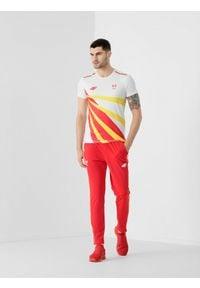 4f - Spodnie dzianinowe męskie Macedonia Północna - Tokio 2020. Kolor: czerwony. Materiał: dzianina
