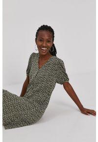 Jacqueline de Yong - Sukienka. Kolor: zielony. Materiał: tkanina, wiskoza, materiał. Typ sukienki: rozkloszowane