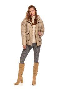 TOP SECRET - Krótka, pikowana kurtka z kapturem. Typ kołnierza: kaptur. Kolor: beżowy. Długość: krótkie. Sezon: zima