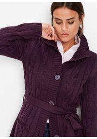 Długi sweter rozpinany bonprix czarny bez. Kolor: fioletowy. Długość: długie