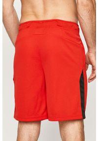 Czerwone szorty Nike casualowe, na co dzień