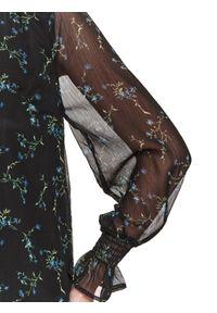 TOP SECRET - Bluzka w kwiaty ze stójką. Typ kołnierza: kołnierzyk stójkowy. Kolor: czarny. Materiał: tiul, materiał. Długość rękawa: długi rękaw. Długość: długie. Wzór: kwiaty. Sezon: wiosna. Styl: klasyczny