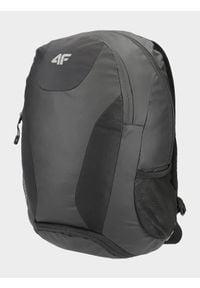 4f - Plecak miejski. Kolor: czarny. Materiał: materiał