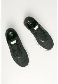 Czarne buty sportowe Under Armour z cholewką, na średnim obcasie, na obcasie, na sznurówki