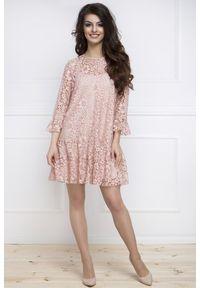 e-margeritka - Elegancka sukienka z koronki pudrowy róż - 42. Okazja: na wesele, na ślub cywilny. Kolor: różowy. Materiał: koronka. Wzór: koronka. Sezon: lato, wiosna. Typ sukienki: kopertowe, rozkloszowane. Styl: elegancki