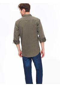Zielona koszula TOP SECRET w kolorowe wzory, z koszulowym kołnierzykiem