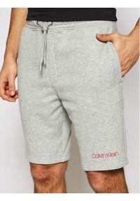 Calvin Klein Underwear Szorty materiałowe 000NM2168E Szary Regular Fit. Kolor: szary. Materiał: materiał