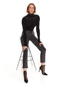 TOP SECRET - Dopasowany sweter z golfem i kryształkami. Typ kołnierza: golf. Kolor: czarny. Materiał: materiał. Długość: długie. Wzór: aplikacja. Sezon: zima. Styl: elegancki