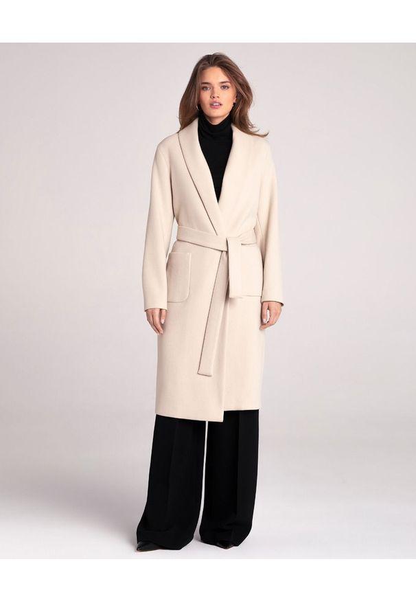 LA MANIA - Beżowy płaszcz Pozi. Okazja: do pracy, na spacer. Kolor: beżowy. Materiał: materiał