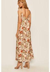 Różowa sukienka ANSWEAR prosta, na co dzień