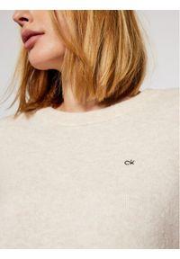 Beżowy sweter klasyczny Calvin Klein