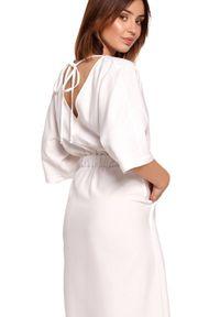 BE - Swobodna sukienka midi z szeroką gumą w pasie biała. Okazja: na co dzień. Kolor: biały. Materiał: guma. Sezon: lato, wiosna. Typ sukienki: proste. Styl: boho, casual. Długość: midi