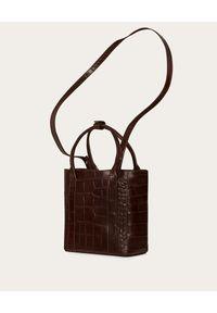BALAGAN - Brązowa torba w zwierzęcy wzór Mini Sal Tote. Kolor: brązowy. Wzór: motyw zwierzęcy. Materiał: z tłoczeniem. Styl: elegancki, casual