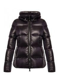 MONCLER - Czarna kurtka Seritte. Kolor: czarny. Materiał: puch
