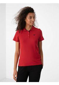 4f - Koszulka polo damska. Okazja: na co dzień. Typ kołnierza: polo. Kolor: czerwony. Materiał: dzianina. Styl: casual