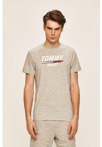 Szary t-shirt Tommy Sport casualowy, z okrągłym kołnierzem, na co dzień