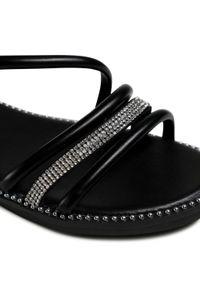 Czarne sandały Jenny Fairy na średnim obcasie, z aplikacjami