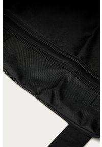 Czarna torba podróżna Rains casualowa
