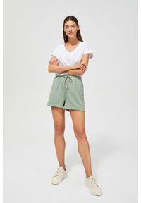 MOODO - Gładkie szorty high waist. Okazja: na co dzień. Stan: podwyższony. Materiał: bawełna, poliester, elastan, guma. Wzór: gładki. Styl: casual