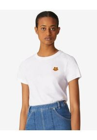 Kenzo - KENZO - Biała koszulka Tiger Crest. Okazja: na co dzień. Kolor: biały. Materiał: bawełna, jeans. Wzór: aplikacja. Styl: klasyczny, casual