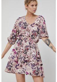 medicine - Medicine - Sukienka Poetic Garden. Materiał: tkanina. Typ sukienki: asymetryczne, rozkloszowane