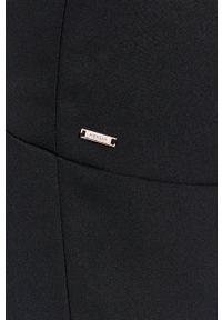 Morgan - Sukienka. Kolor: czarny. Materiał: tkanina. Długość rękawa: krótki rękaw. Wzór: gładki. Typ sukienki: dopasowane