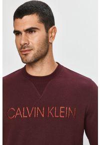 Fioletowa bluza nierozpinana Calvin Klein z okrągłym kołnierzem, na co dzień