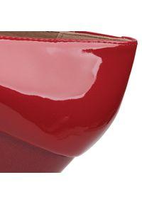Czerwone półbuty Caprice z cholewką