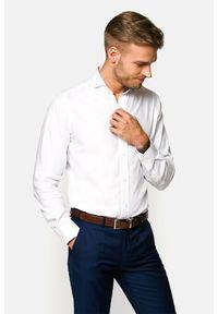 Lancerto - Koszula Biała Susan. Typ kołnierza: kołnierzyk włoski. Kolor: biały. Materiał: bawełna, jedwab, tkanina, wełna. Wzór: ze splotem, gładki. Styl: wizytowy, klasyczny