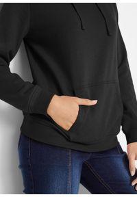 Bluza z kapturem basic bonprix Bluza z kapturem basic czar. Typ kołnierza: kaptur. Kolor: czarny. Styl: sportowy