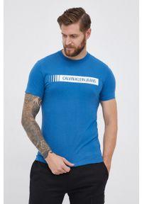 Calvin Klein Jeans - T-shirt bawełniany. Okazja: na co dzień. Kolor: niebieski. Materiał: bawełna. Wzór: nadruk. Styl: casual