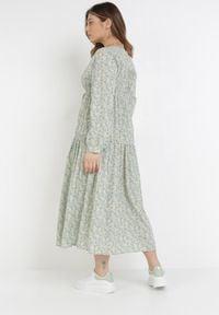 Born2be - Miętowa Sukienka Saphasine. Okazja: na plażę. Kolor: miętowy. Materiał: tkanina, wiskoza. Długość rękawa: długi rękaw. Wzór: kwiaty, aplikacja. Typ sukienki: kopertowe. Długość: midi