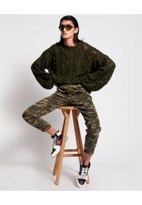 ONETEASPOON - Jeansy Pioneer 80s w moro. Stan: podwyższony. Kolor: zielony. Materiał: jeans. Wzór: moro. Sezon: lato