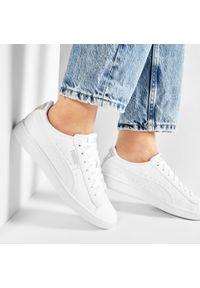 Białe sneakersy Puma Vikky, z cholewką