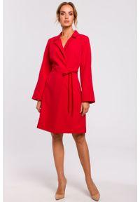 e-margeritka - Sukienka kopertowa do kolan czerwona - l. Kolor: czerwony. Materiał: tkanina, poliester, materiał, elastan. Typ sukienki: kopertowe. Styl: klasyczny, elegancki. Długość: midi
