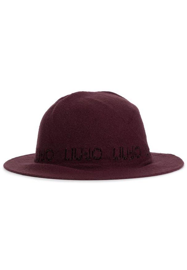 Czerwony kapelusz Liu Jo