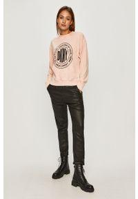 Różowa bluza DKNY bez kaptura, z nadrukiem