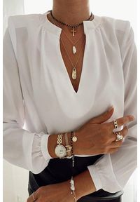 Biała bluzka IVET do pracy, w kolorowe wzory
