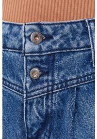 Mustang - Szorty jeansowe. Stan: podwyższony. Kolor: niebieski. Materiał: jeans
