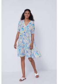 medicine - Medicine - Sukienka Abstract Meadow. Materiał: tkanina. Długość rękawa: krótki rękaw. Typ sukienki: rozkloszowane