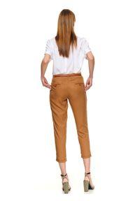Beżowe spodnie TOP SECRET w kolorowe wzory, do pracy, na jesień